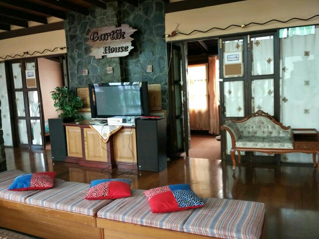 Villa Gartik 6 Kamar Lembang