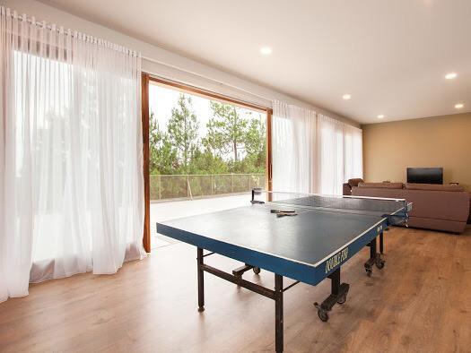 villa 8 kamar ada pingpong